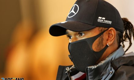 Hamilton 'isn't telling me whether he will re-sign for Mercedes'