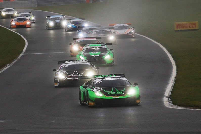 Keen and Balon overcome the elements in British GT – National