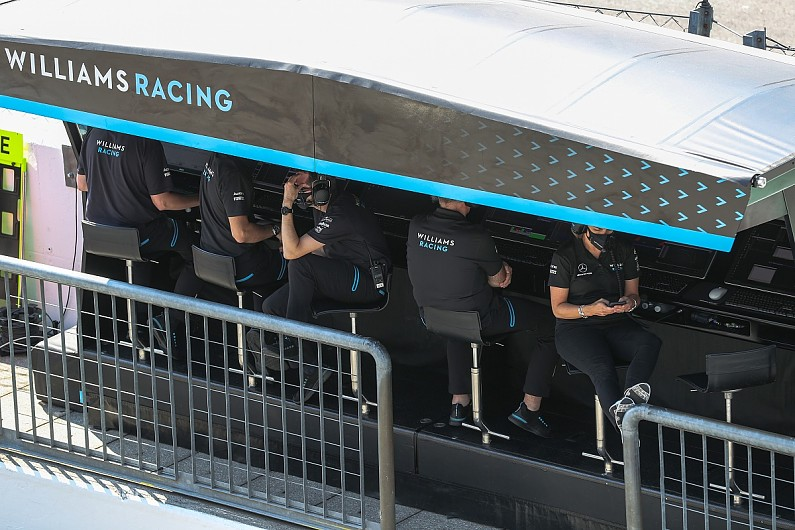 """F1 staff working remotely is """"phenomenally difficult"""" – Robson – F1"""