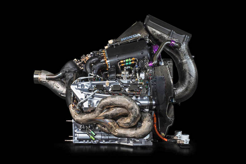 Red Bull considering building its own engine