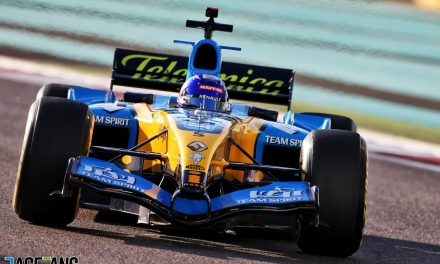 Alonso drives his 2005 title-winning Renault at Yas Marina · RaceFans