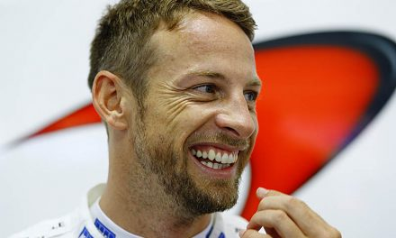 "Williams ""on the right trajectory"", says Button"