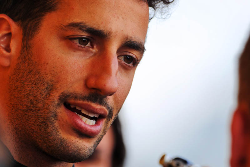 """I'm there for business,"" warns Ricciardo"