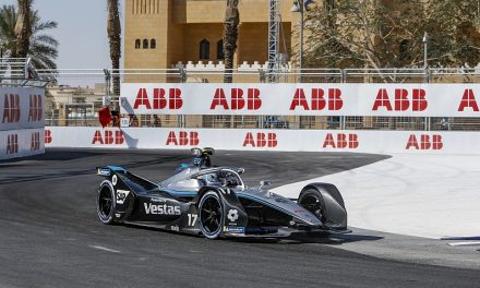 Diriyah FE: Mercedes' de Vries surges to dominant pole by over 0.6s | Formula E News
