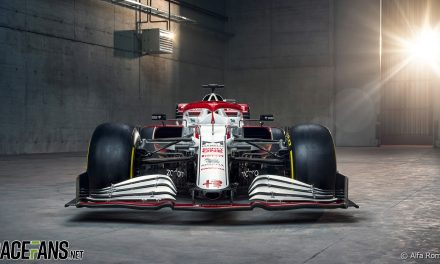Alfa Romeo use tokens to introduce slimmer nose on C41 · RaceFans