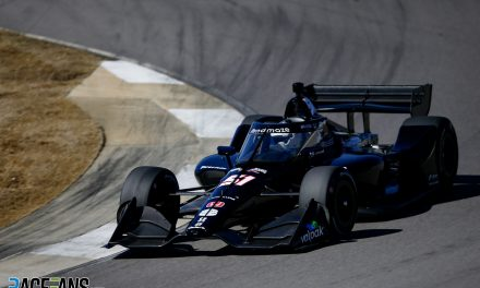 """RaceFans Round-up: Strain on injured hand """"a bit painful"""" during IndyCar test"""