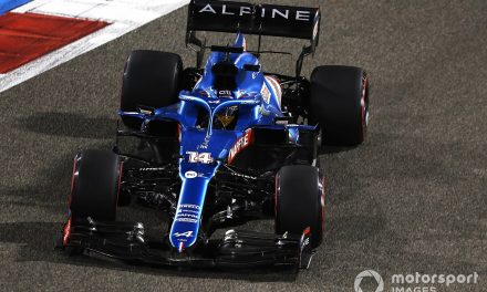 Alonso's F1 comeback race wrecked by sandwich wrapper