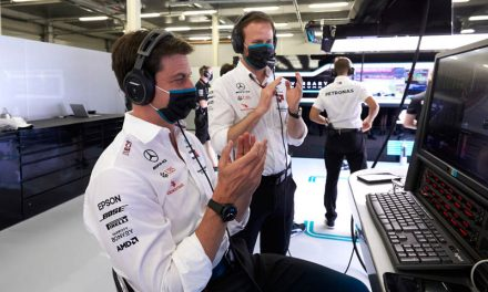No rules on drivers racing one another, insists Wolff