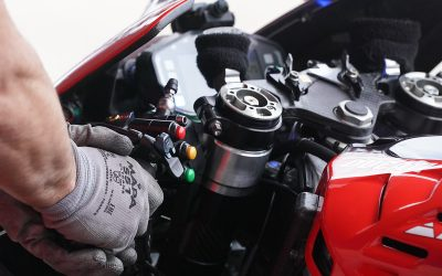 Cormac's Tech Shots From Jerez: Holeshot Devices Close Up And In The Flesh For Subscribers | MotoMatters.com